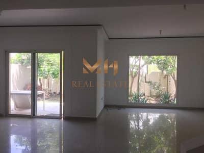 فیلا 4 غرف نوم للايجار في الريف، أبوظبي - Spacious Layout | With Backyard and Balcony | Ready to Move In