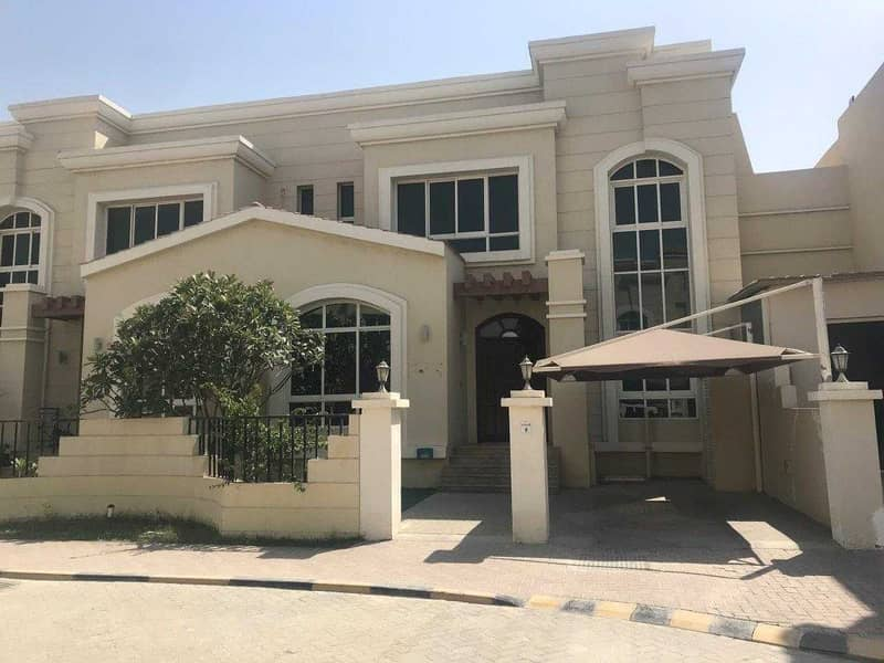 Western styled nicely finshied community VL with facilities, yard