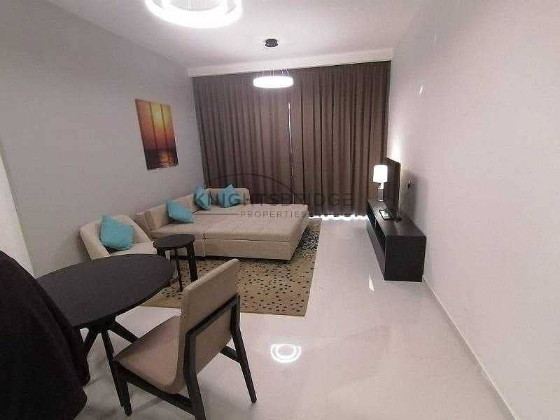 2 BEUTIFUL APARTMENT BIG LAYOUT VACANT FOR RENT.