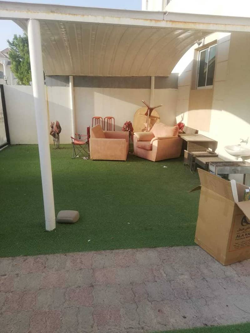 5 BED ROOM WITH 2 KITCHEN VILLA IN MBZ MAJLIS AND SALAH