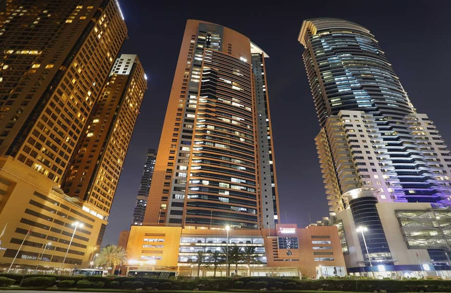 شقة في برج الجواهر دبي مدينة دبي للإنترنت 2 غرف 85000 درهم - 5234563