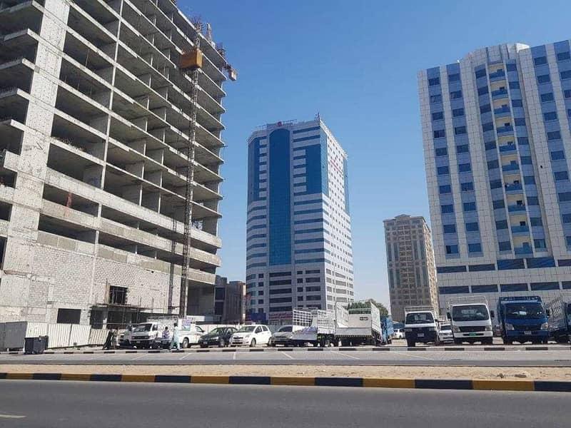 للبيع ارض سكني تجاري - النعيمية عجمان - تصريح ارضي وعشرة طوابق