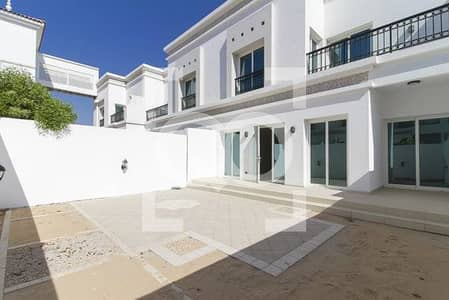 3 Bedroom Villa for Rent in Jumeirah, Dubai - Spacious | Like new | walking distance to the Club house