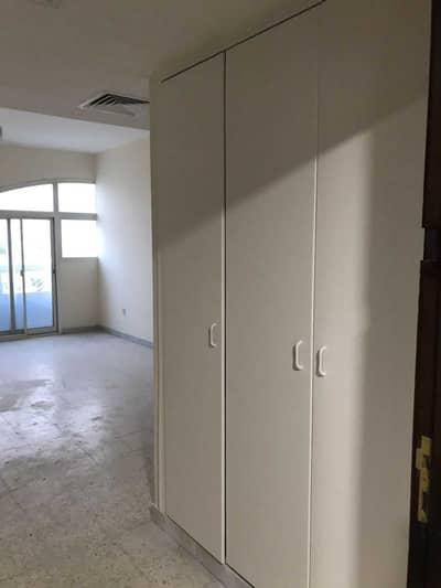 شقة 1 غرفة نوم للايجار في مصفح، أبوظبي - شقة في شعبية مصفح 1 غرف 35000 درهم - 5326064