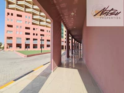 محل تجاري  للايجار في الحدائق، دبي - Spacious Retail Space I Near Ibn Batuta