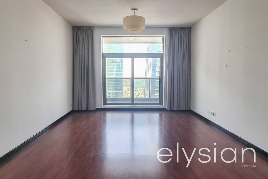 2 Bed + Maid's   Lake View   Mid Floor   Rented