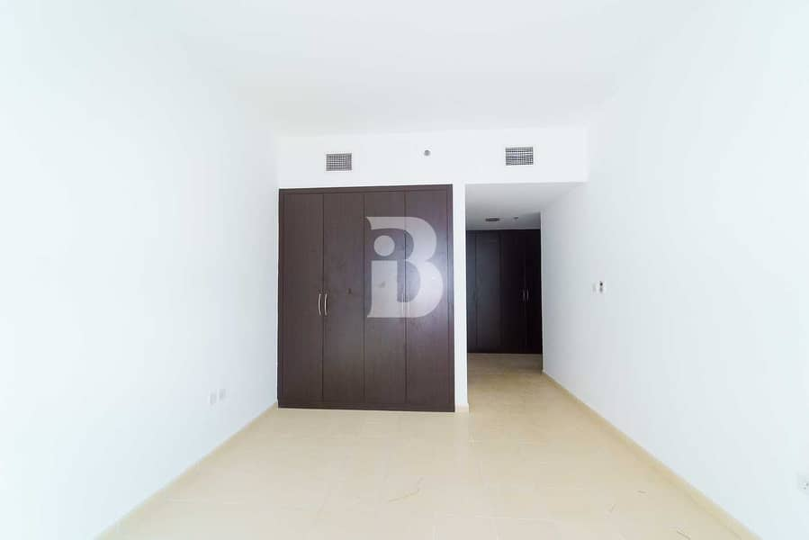 2 LAVISH 2BR   WITH BALCONY   CLOSE TO EXIT