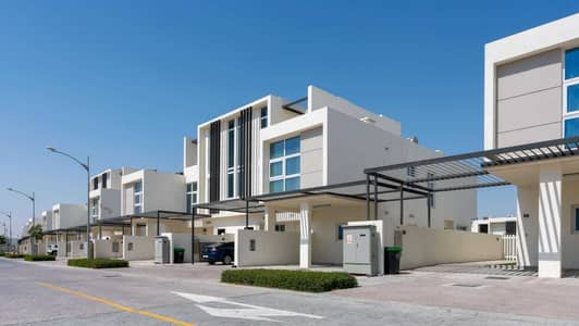 3 Bedroom Townhouse for Sale in DAMAC Hills 2 (Akoya Oxygen), Dubai - Stunning End Unit with a Generous Payment Plan