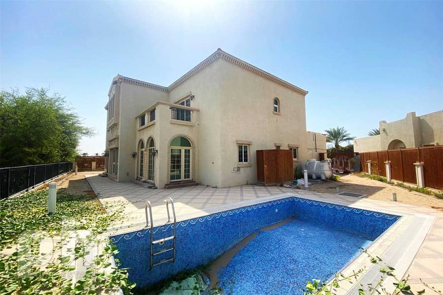 10 Private Pool | Upgraded Kitchen | Vacant