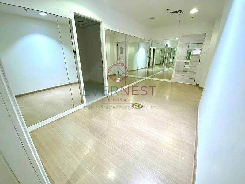 2 Fitted Office   Wooden Floor   Vast Area   DMCC