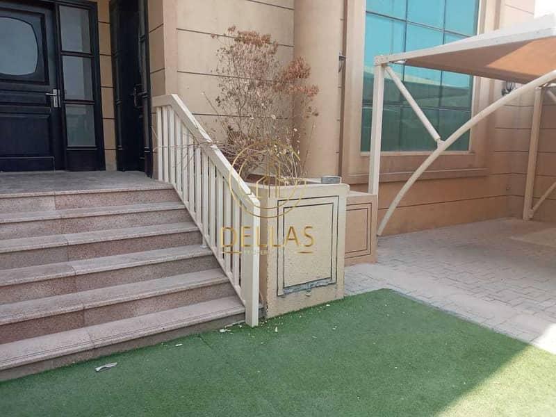 Villa in Abu Dhabi - Al Mushrif