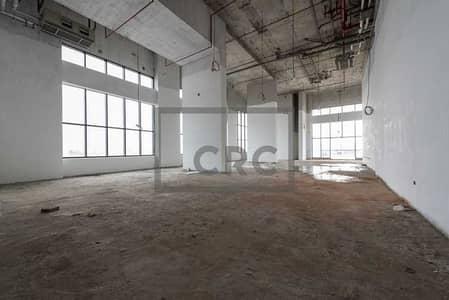 محل تجاري  للايجار في قرية التراث، دبي - Well Priced Retail   High Visibility SZR