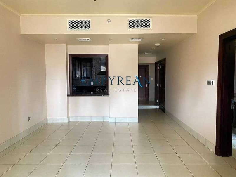 2 Well Maintained   Very Bright   Great Location