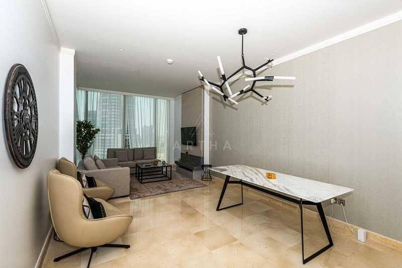 2 Luxurious Living | Large Living |Open Plan Kitchen