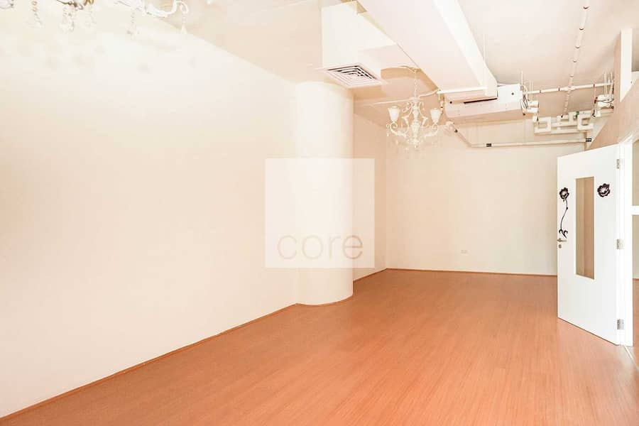 2 Fitted Unit   Mid Floor   Prime Location