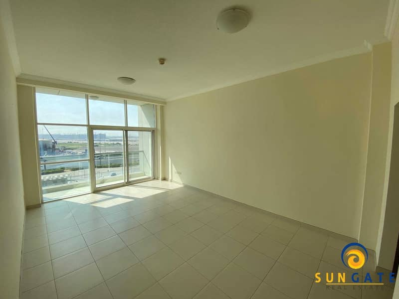 spacious flat with balcony built in wardrobe
