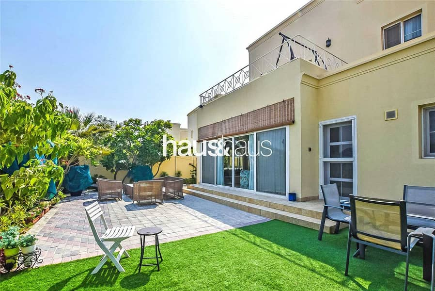 Upgraded   Extended   5 Bed   Opposite Pool