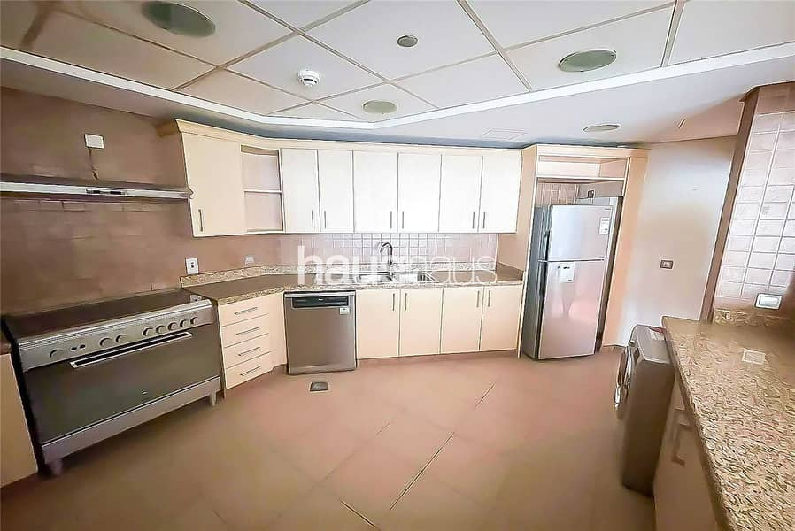 10 Park View   C -Type   Unfurnished   Available Now