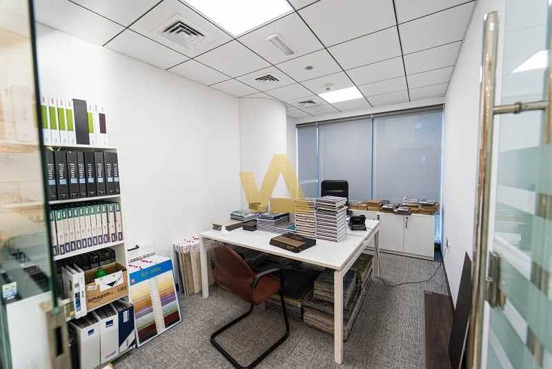 NEWLY UPGRADED OFFICE |WITH PANTRY AND WASHROOM