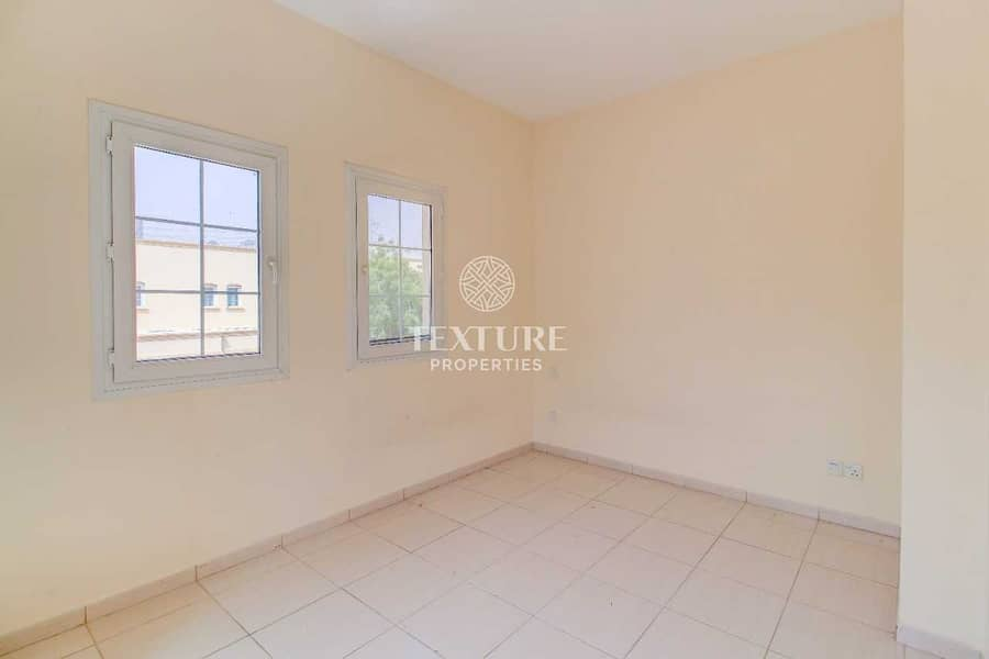 2 Single Row | Close To Park | Immaculate | Good Price