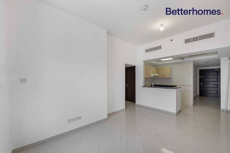 Great Price|On Mid Floor | Chiller Free