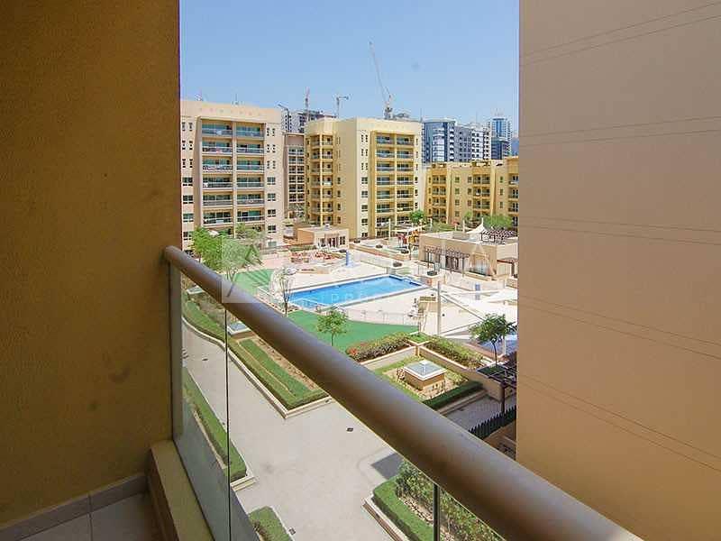 10 Pool views   Bright unit   Chiller free