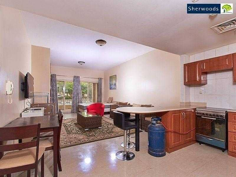 2 Ready To Move In - Near to the Mall - Corner Unit