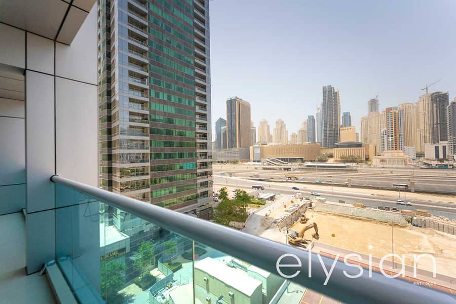 12 Closed Kitchen   SZR View   Vacant on Transfer