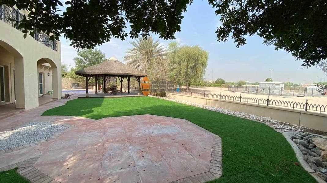 12 Single Villa| Private pool | Huge plot