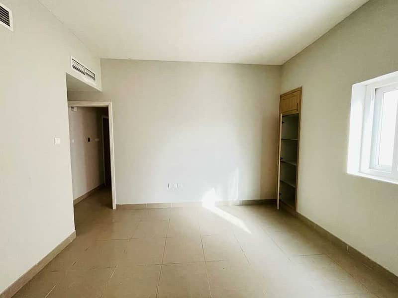 Excellent spacious 2bhk built-in wardrobe with car parking new Muwaileh