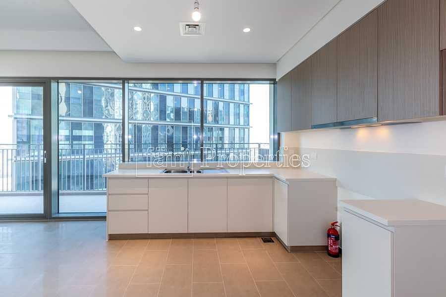 2 Bright apt/low floor/good price