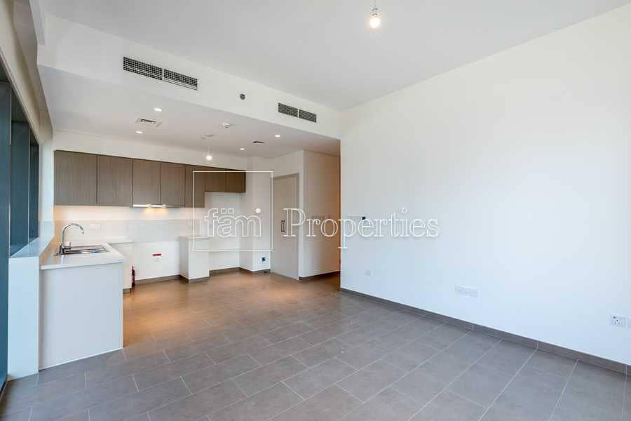 Bright apt/low floor/good price