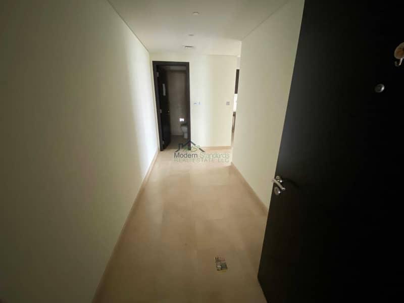 Bright Spacious unit   1bedroom apt.   higher floor  