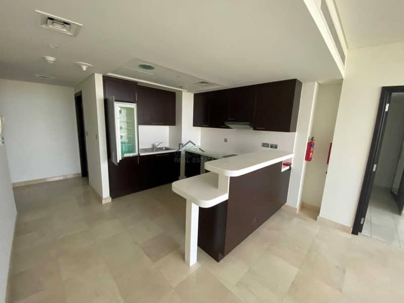 2 Bright Spacious unit   1bedroom apt.   higher floor  