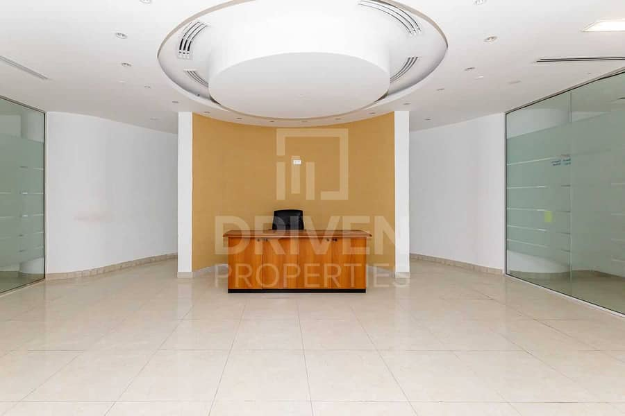 Huge Office and Well-kept | Best Location