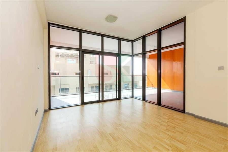 2 Spacious apartment with one month free