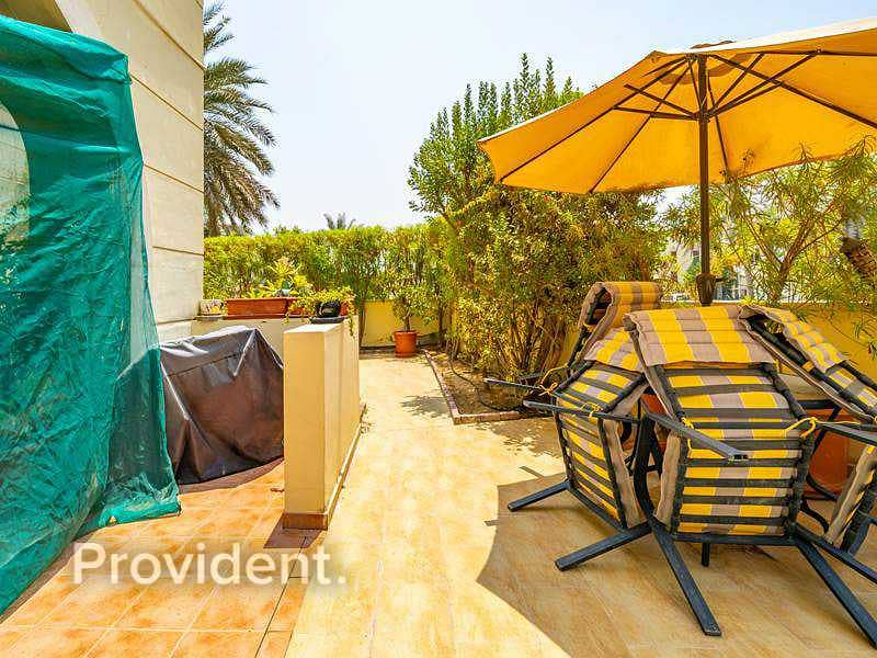 2 Lovely Garden Apt    All Rooms En-suite   Freehold