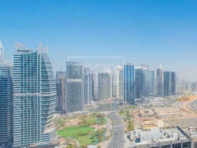 Office for Sale in Jumeirah Lake Towers (JLT), Dubai - Meadow view|2 glass partition|Near metro