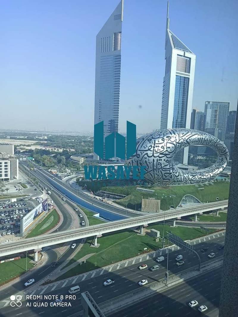 مکتب في برج لطيفة شارع الشيخ زايد 90000 درهم - 5152681