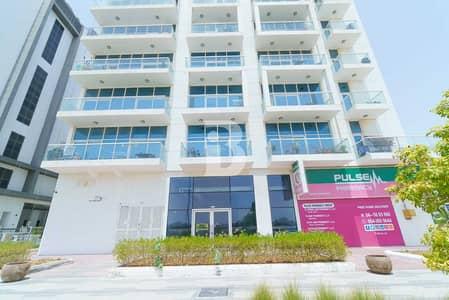 محل تجاري  للايجار في مدينة دبي للاستديوهات، دبي - New Retail Excellent Location Road Touch