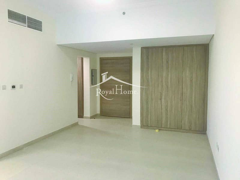 Spacious Studio   Excellent Flooring   Available