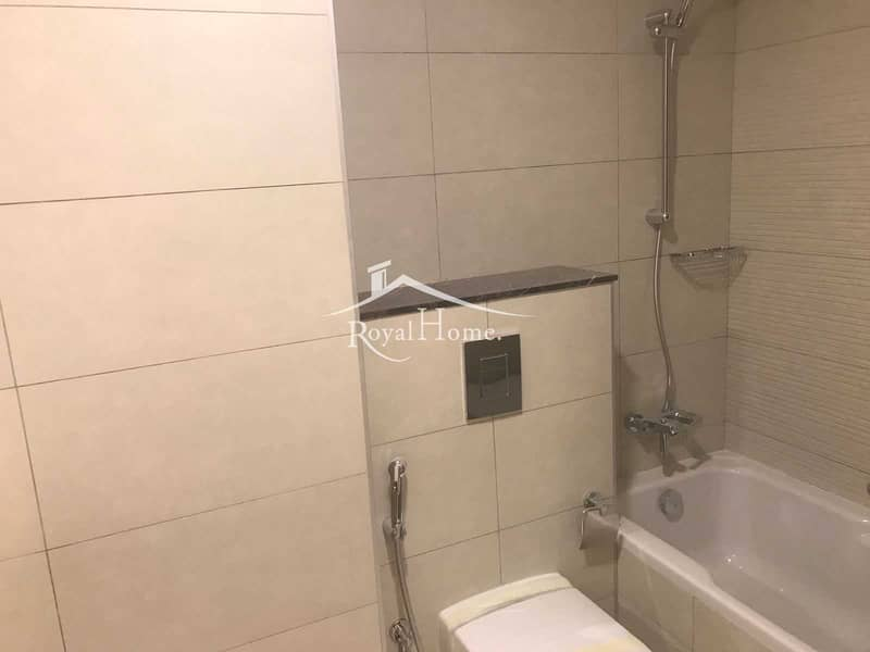10 Spacious Studio   Excellent Flooring   Available