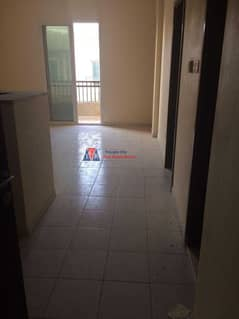 شقة في الحي اليوناني المدينة العالمية 1 غرف 300000 درهم - 4950905