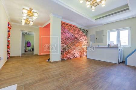 فیلا 4 غرف نوم للبيع في ذا فيلا، دبي - High Upgraded 4BR Custom Facing Big Park