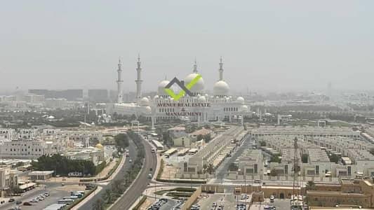 شقة 2 غرفة نوم للايجار في مدينة زايد الرياضية، أبوظبي - شقة في أبراج ريحان هايتس مدينة زايد الرياضية 2 غرف 120000 درهم - 5286708