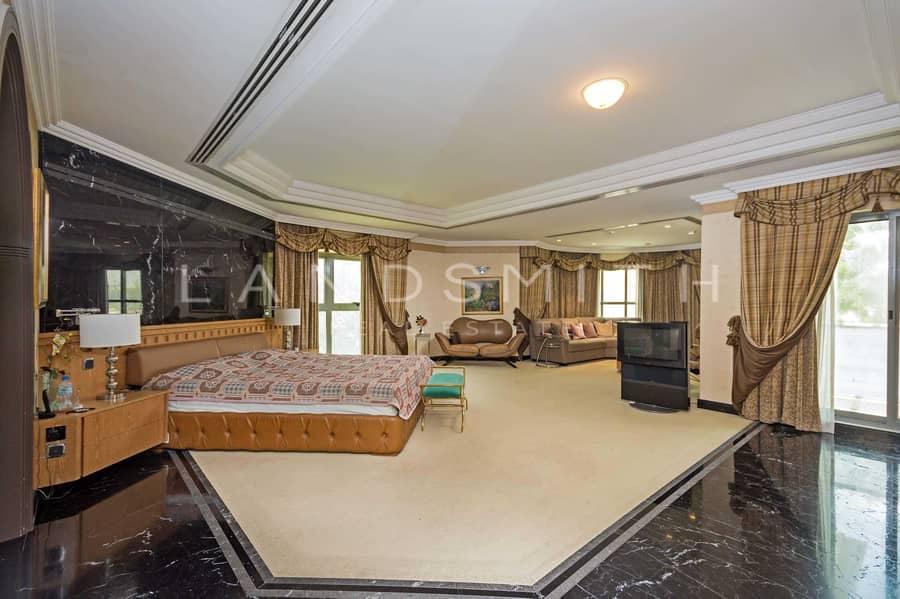 35 Stunning Spacious 6 BR Villa in Umm Suqeim 1
