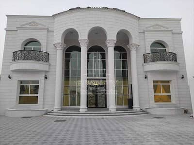 6 Bedroom Villa for Sale in Shakhbout City (Khalifa City B), Abu Dhabi - Humungous  Villa w Private Pool in Beautiful Area