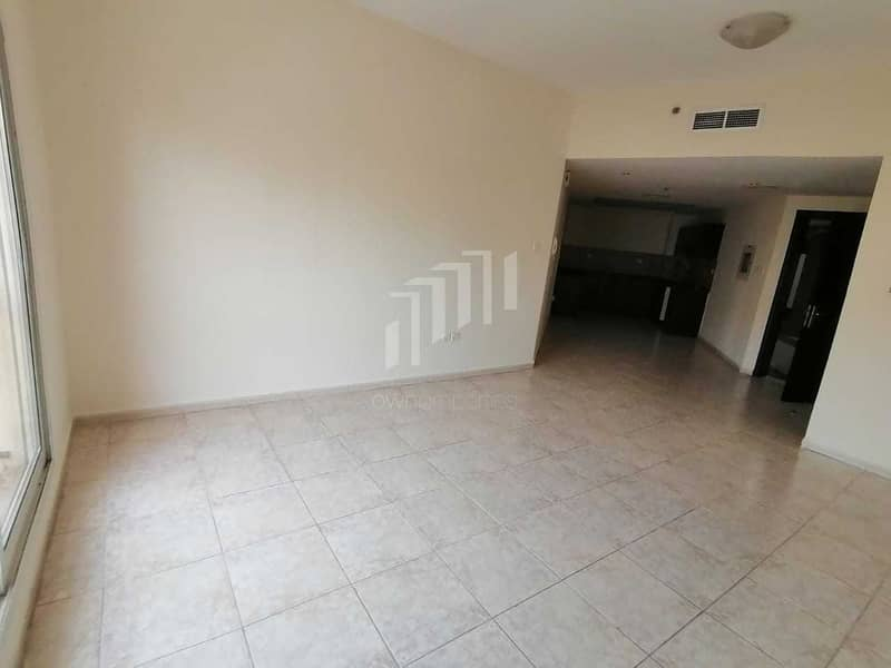 Corner Unit with Study Room   Next to Circle Mall