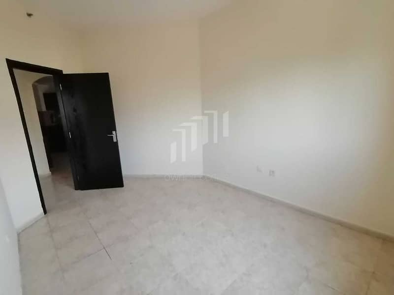 2 Corner Unit with Study Room   Next to Circle Mall
