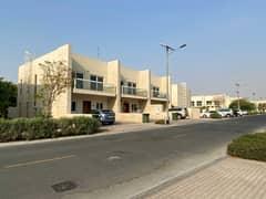 فیلا في قرية ورسان المدينة العالمية 3 غرف 1499999 درهم - 5061769